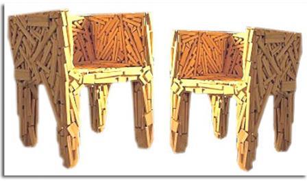 Hecha a partir de pequeños pedazos de madera encolados y clavados