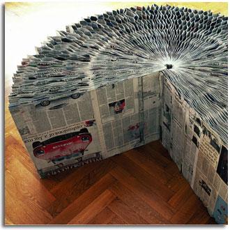 Muebles realizados con revistas y papel de peri dicos for Muebles con objetos reciclados
