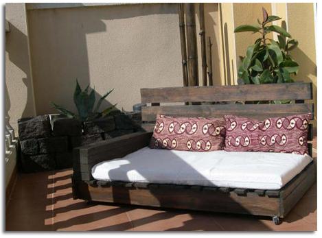 Ecoideas para el verano 2009 decorar con pal s terraza y - Reciclaje de pales ...
