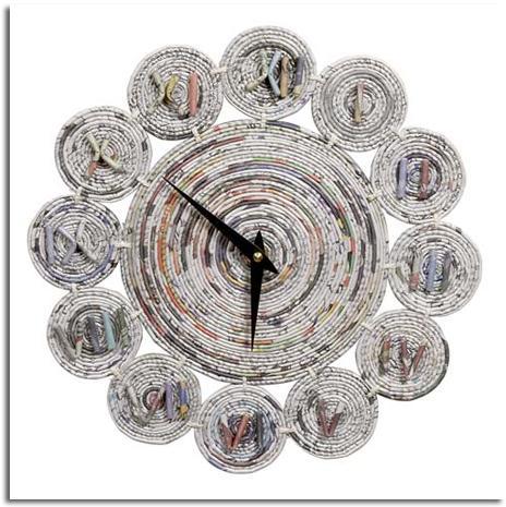 relojes realizados con materiales reciclados rueda de bicicleta papel disco de vinilo