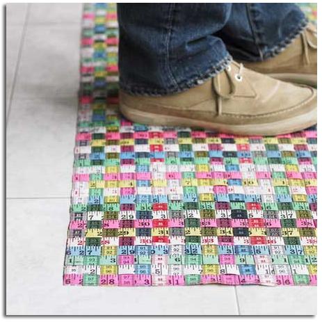 Ideas para reciclar y reutilizar las cintas m tricas for Ideas reciclaje decoracion