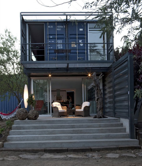 Casa el tiemblo hecha con cuatro contenedores mar timos reutilizados objectbis dise o - Casa container espana ...