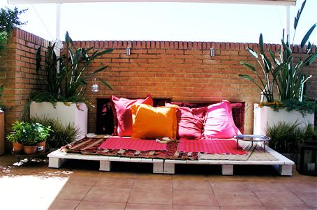Fazendo arte decore seu jardim com pallets for Decoracion jardin con palets