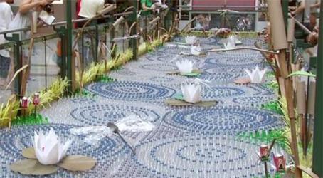 Instalaci n art stica en centro comercial realizada con for Estanque ecologico