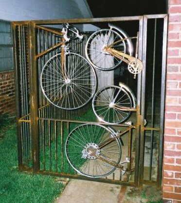 Reciclar bicicletas como verjas o puertas objectbis for Como reciclar puertas antiguas