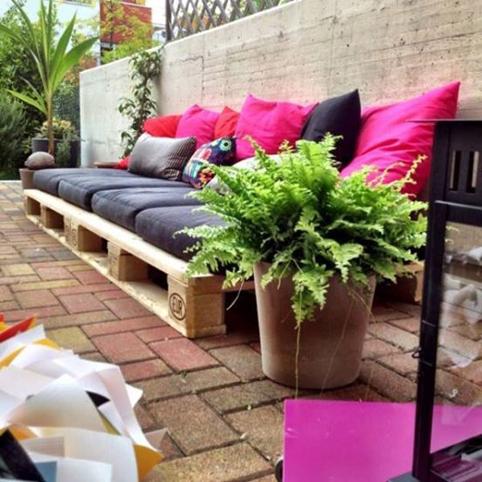 Muebles de paletas o pallets reciclados para decorar - Reciclar palets para jardin ...
