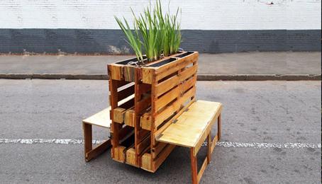 Bancos para espacios p blicos hechos con pallets for Bancos de jardin hechos con palets