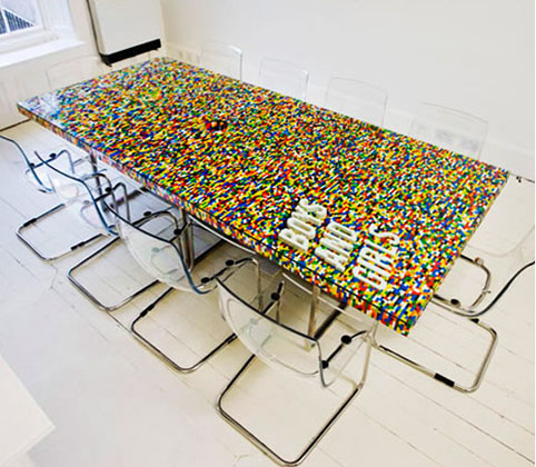 Muebles y artículos de decoración hechos con piezas de lego ...