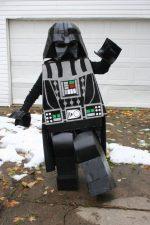 DIY -DISFRAZ Darth Vader LEGO DE CARTÓN RECICLADO
