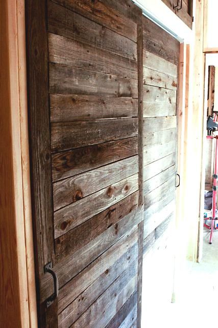 Puertas hechas con madera de palets objectbis dise o for Puerta palets