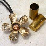 Joyas realizadas con balas recicladas