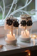 Crear ambientes navideños con velas y material reciclado