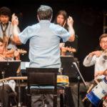Una orquesta muy original con instrumentos realizados con material reciclado